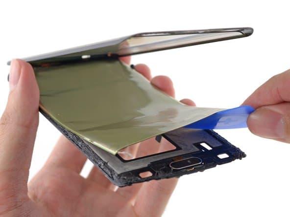 iFixit habla de las razones por las que el Galaxy Fold está fallando