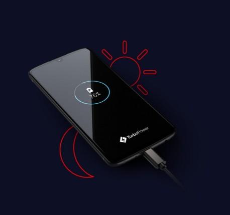 moto-z4-pdp-fullbleedhalf-battery-d