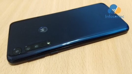 Motorola-One-Macro-1